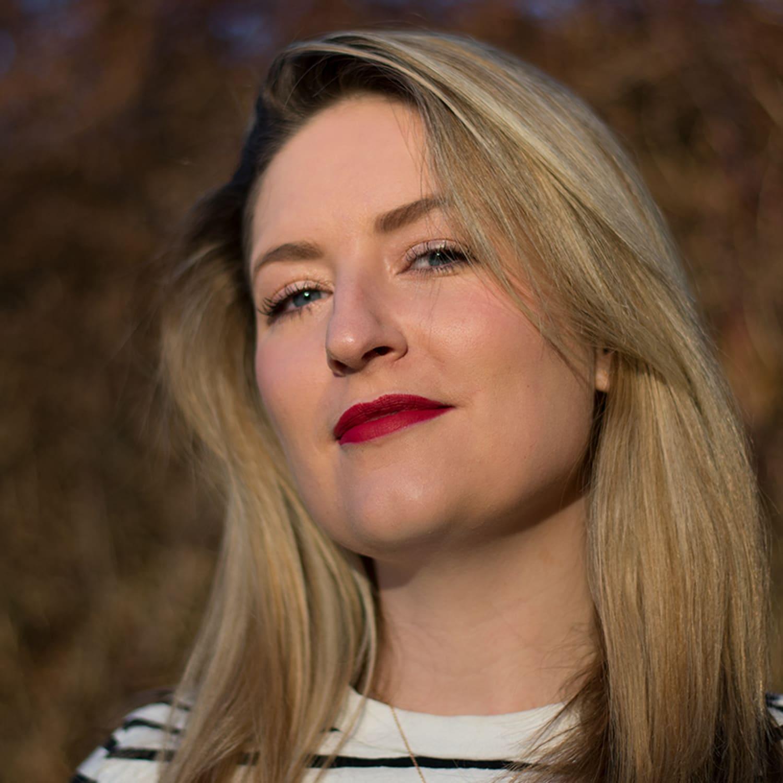 Rachael Taylor Portrait