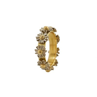 18ct Daisy Wreath Ring Product Photo